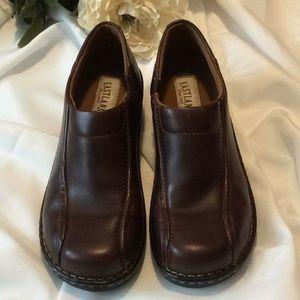 Eastland brown leather slip-on women's shoe (10M)